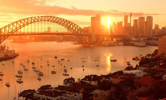 The beautiful Sydney harbor on a typical summer's evening